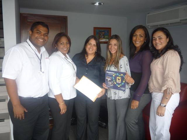 Grupo Pulso Panamotor Transistmica hace entrega de donación